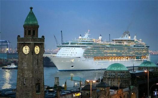 BocTok: Самое большое круизное судно в мире Freedom of the Seas.