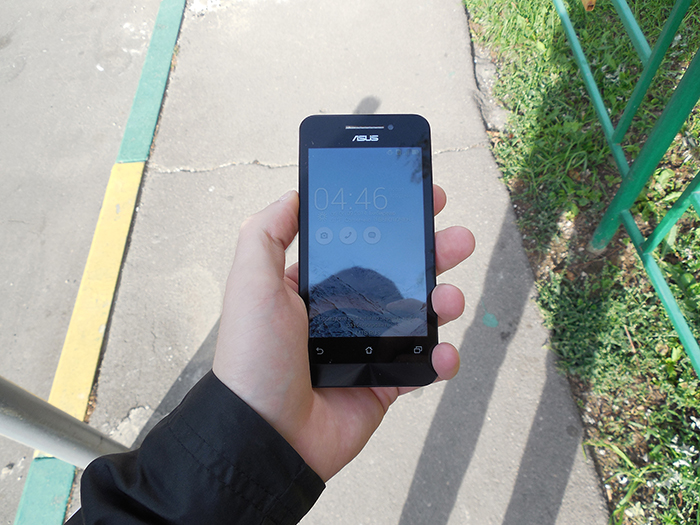ASUS Zenfone 4 экран блики