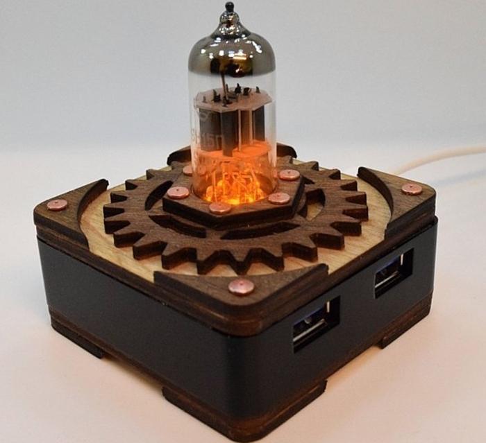 Triode Radio Vacuum Tube Hi-speed 4 Ports USB 3.0 HUB