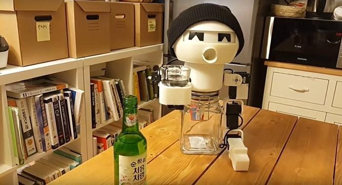 робот drinky