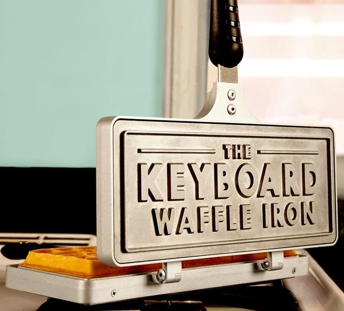 Messy_Desk_Designs_Keyboard_Waffle_Iron-1