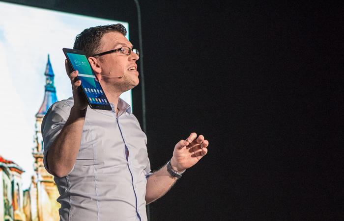 Самсунг Galaxy S8 накачественных живых фото