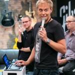 Армин ван Бюрен рассказал о диджейских устройствах компании WOOX, на мероприятии в Олимпийском