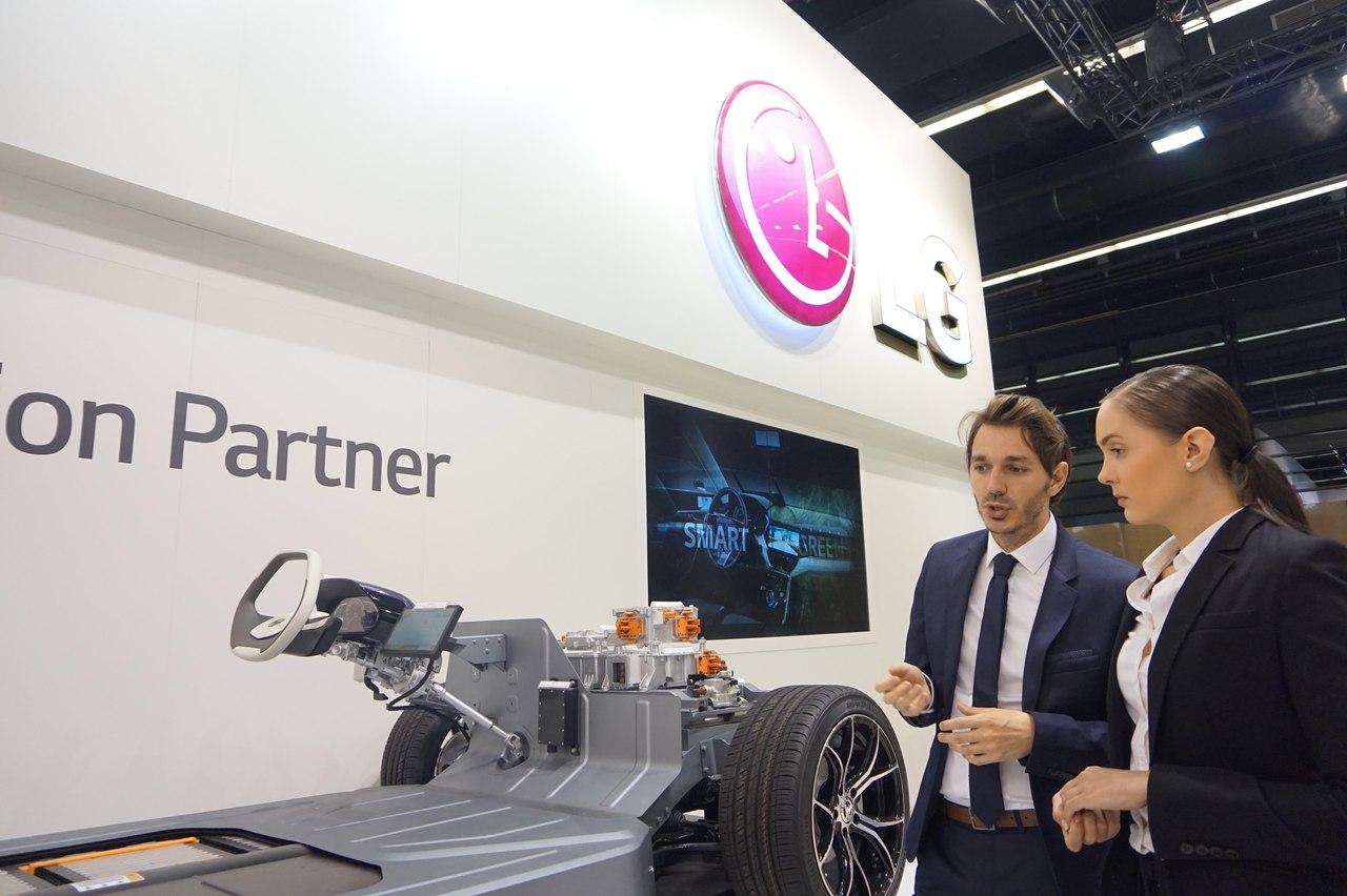 LG представила OLED-технологии на автосалоне во Франкфурте 2017
