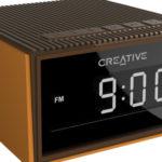 Creative представила портативную колонку-будильник Creative Chrono