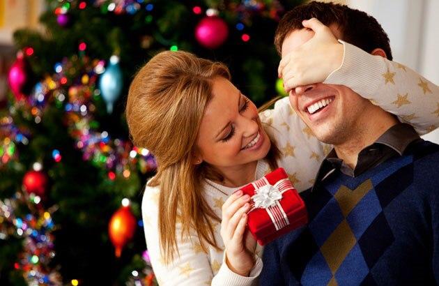 Половина россиян покупает подарки в декабре