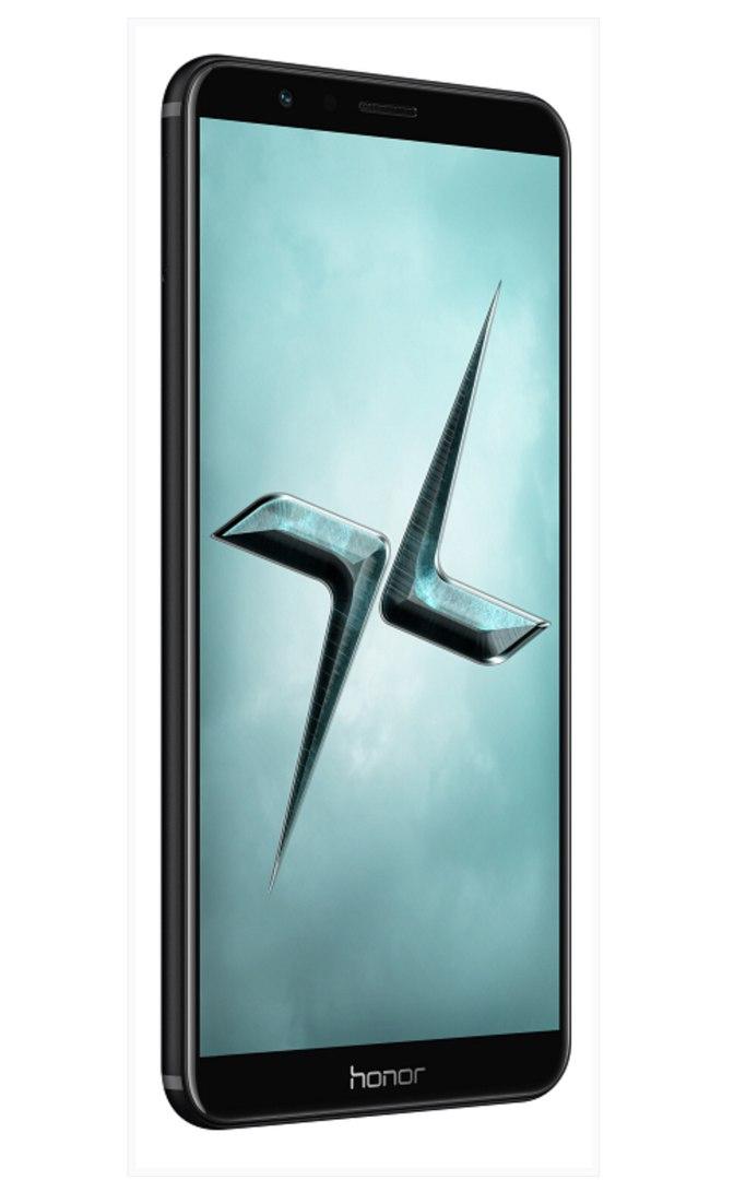 Новый смартфон Honor 7X