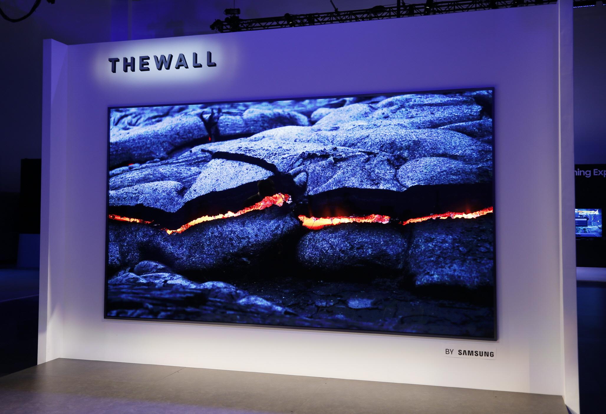 Samsung представляет телевизор The Wall